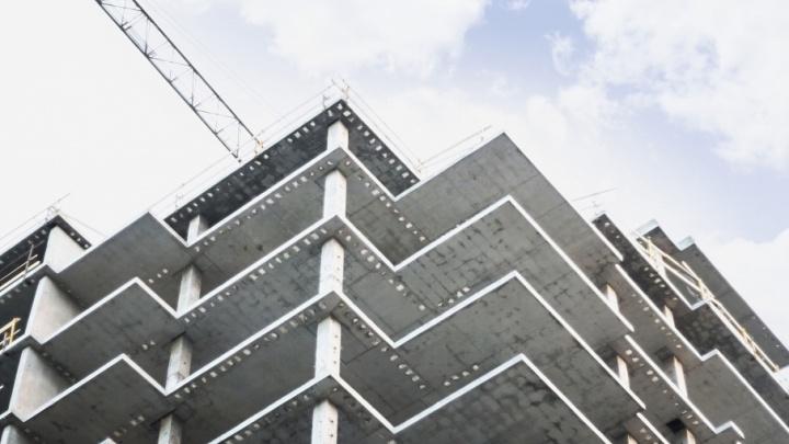 Строительную фирму обязали выплатить 650 тысяч челябинцу, упавшему с 24-го этажа
