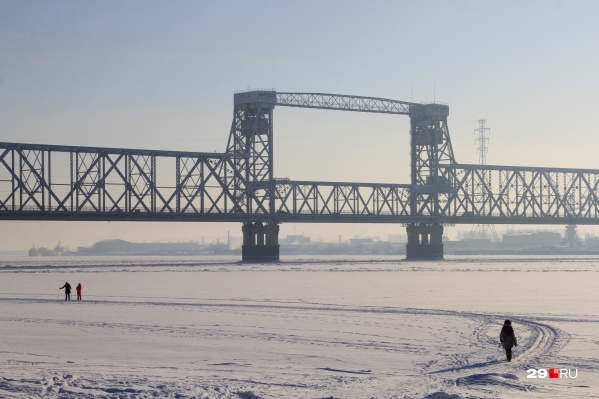 Движение закрывают по ночам из-за ремонта моста