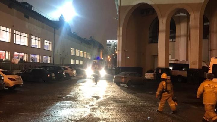 В Уфе горит здание Башдрамтеатра