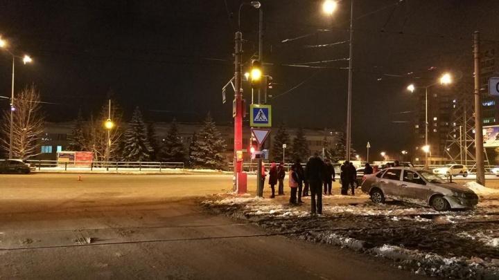 ДТП с пострадавшими на Ново-Садовой спровоцировала неопытная автомобилистка на «Королле»