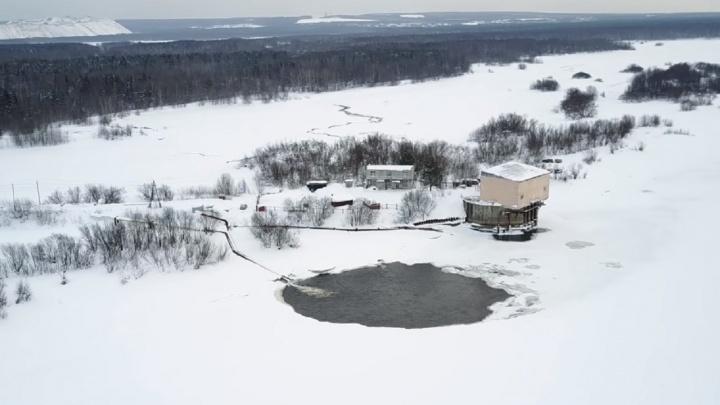 В Соликамске «Уралкалий» сбрасывает воду в Каму. Опасно ли это?