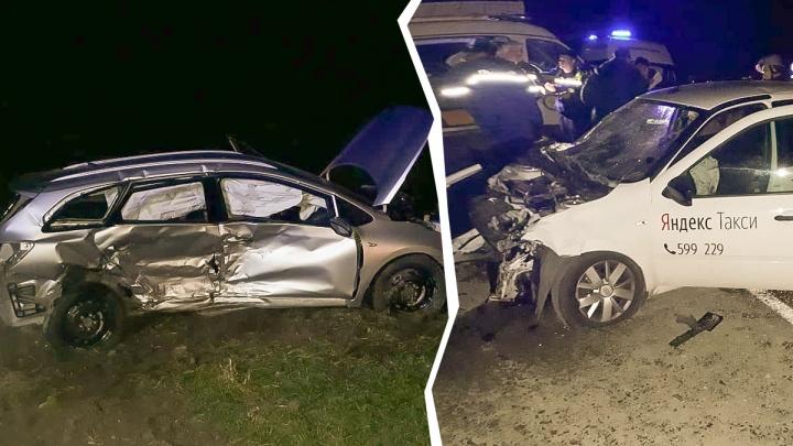 В аварии на трассе Ростов — Ставрополь пострадали 12 человек. Семеро из них — дети