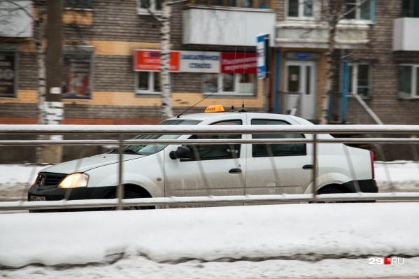 Таксист довез пассажира до улицы Терехина, но денег за работу не получил