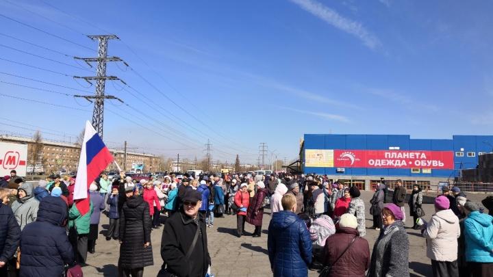 «У нас дом промерзал, за что платим?»: красноярцы устроили протест против перерасчёта за тепло