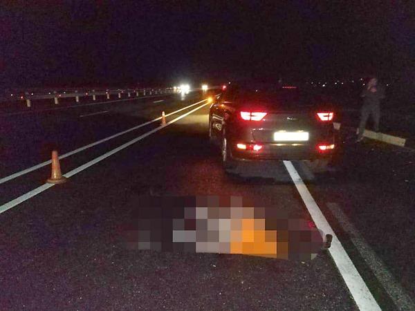В Башкирии водитель сбил насмерть человека и сбежал с места аварии, свою «Ладу» он бросил на дороге