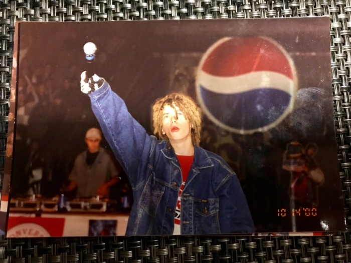В 2000 году Кирилл выступал в екатеринбургском цирке, ему тогда было 16 лет
