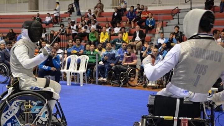 «Я знал, что приеду с медалями»: фехтовальщик на коляске привёз в Новосибирск две награды Кубка мира
