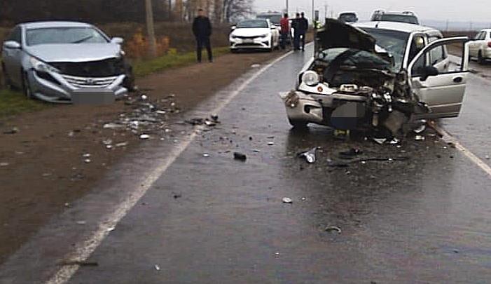 Под Уфой столкнулисьDaewoo Matiz и Hyundai Sonata: один погиб, пострадавший — в больнице