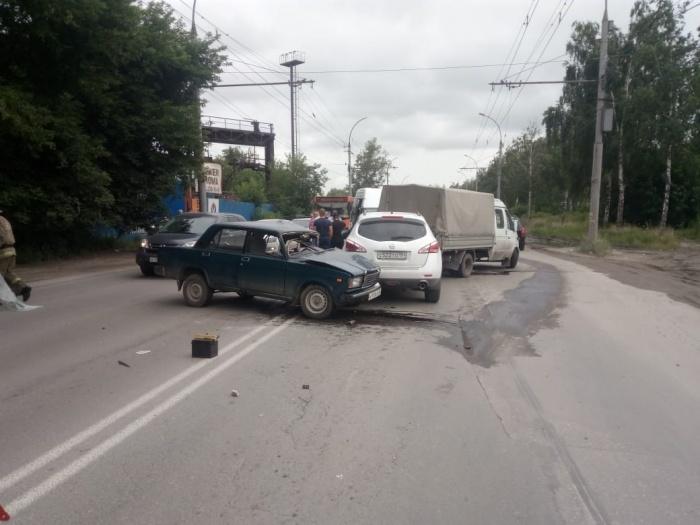 Авария случилась недалеко от остановки«2-я Станционная»