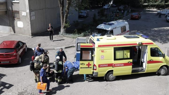 Из-за пожара в ростовской многоэтажке эвакуировали 25 человек