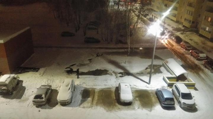 На Войновке произошла коммунальная авария: перемёрзла труба с горячей водой