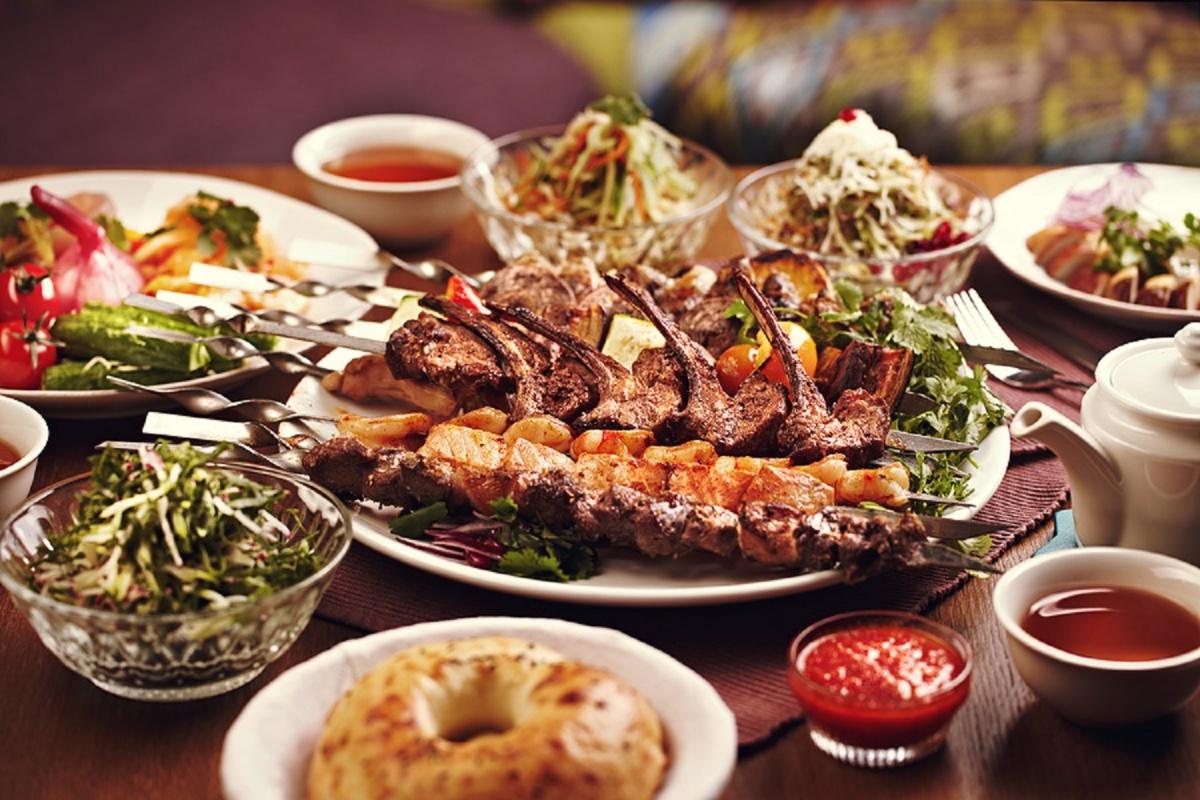 Сюда ходят обедать иностранцы, а новосибирцы считают это заведение одним из лучших в городе
