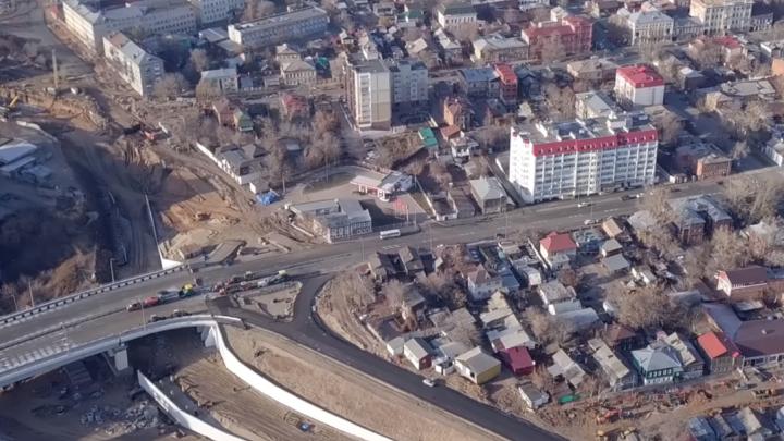 «Монументальный крепыш»: рабочие построили новый поворот с Фрунзенского моста