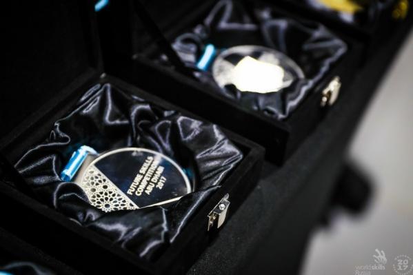 Такие медали присуждаются чемпионам