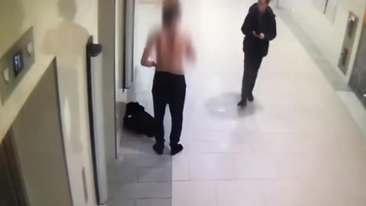 Житель Ростовской области едва не поджег себя в петербургском ТЦ
