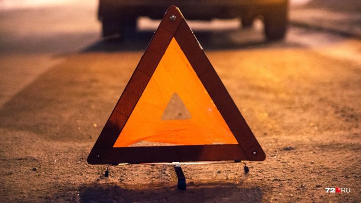 Автобус, перевозивший 28 тюменских детей, попал в аварию на северной трассе
