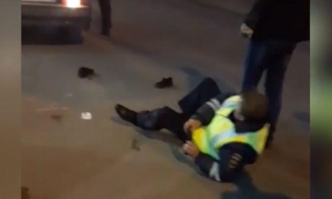 В Уфе сотрудник полиции ударил в пах инспектора ДПС