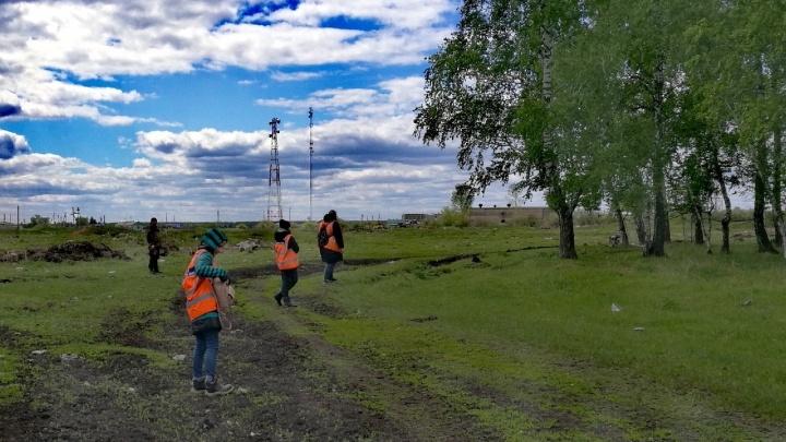 Через два дня поисков пропавшей семьи из Калачинска силовики перестали привлекать волонтёров