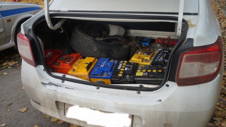 Проставил всё на карту: челябинского таксиста задержали за кражу автоаккумуляторов
