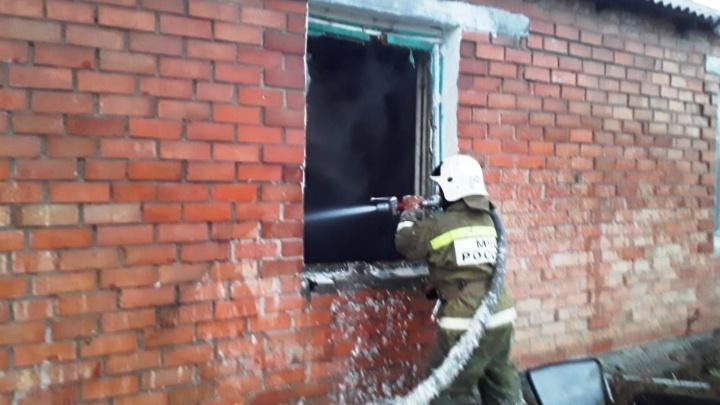 В Калачинске из горящего дома спаслись три ребёнка