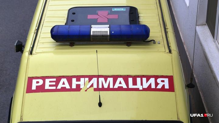 На предприятии в Башкирии рабочий получил переломы, упав с лестницы