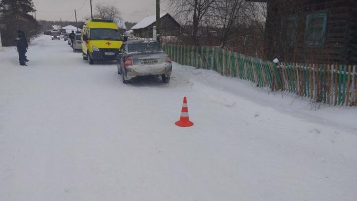 Шёл на школьный автобус: в деревне Упоровского района девушка насмерть сбила ребенка