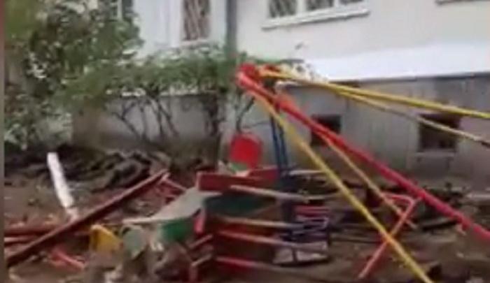 Коммунальщики превратили двор дома на Турмалиновской в перепаханное поле