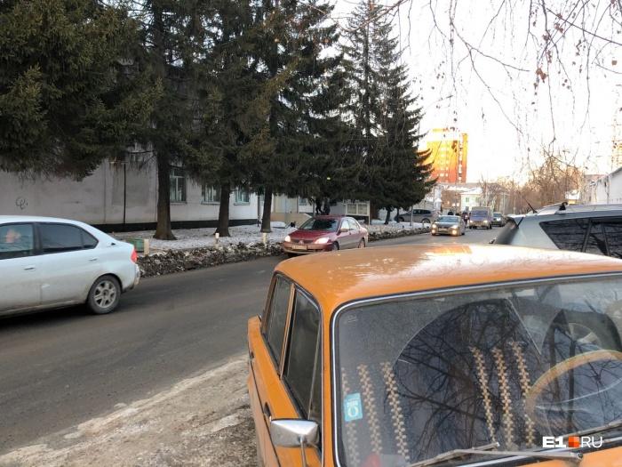 Водитель «шестёрки» после конфликта поехал в полицию