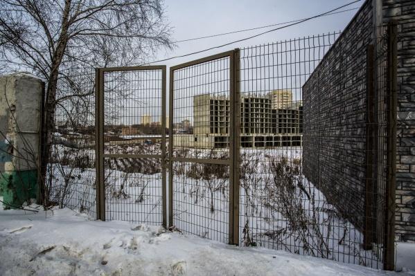 Строительство жилого комплекса на Кошурникова тянется с 2008 года