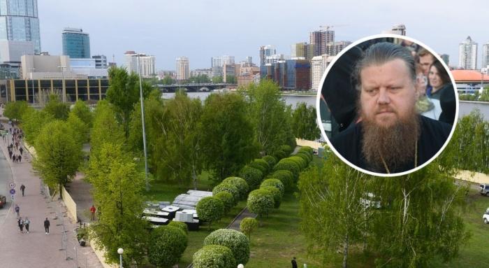 В самом начале протестов мы брали интервью у отца Максима Миняйло. Почитать  можно здесь