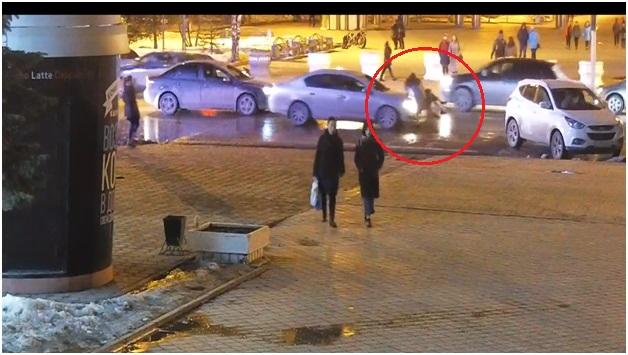 Инспекторы нашли водителя, который сбил девушку у ЦУМа и скрылся. Публикуем видео ДТП