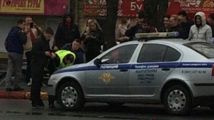 В Уфе на Округе Галле задержали инспектора ДПС