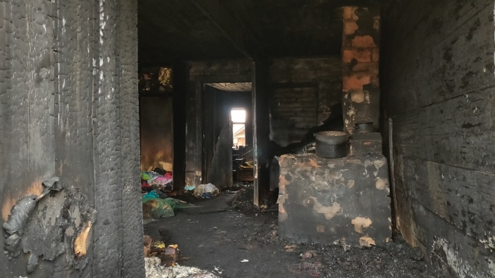 «Я вышла вынести на улицу горшок»: под Волгоградом в огне погибли трое маленьких детей
