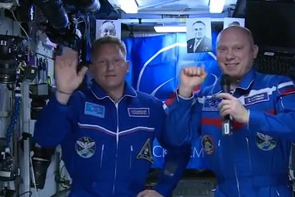 Космонавты выйдут в открытый космос на семь часов