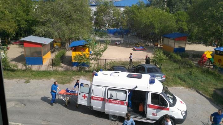 Во дворе многоэтажки на Домостроителей сбили пятилетнего мальчика на велосипеде