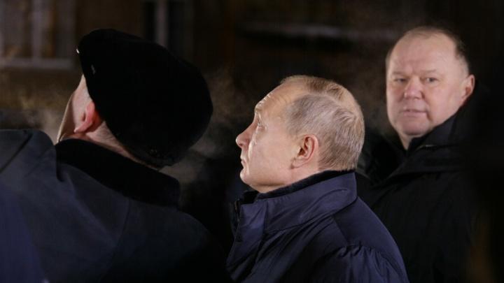 «Понимаю людей»: Путин поручил полностью расселить пострадавший от взрыва дом в Магнитогорске