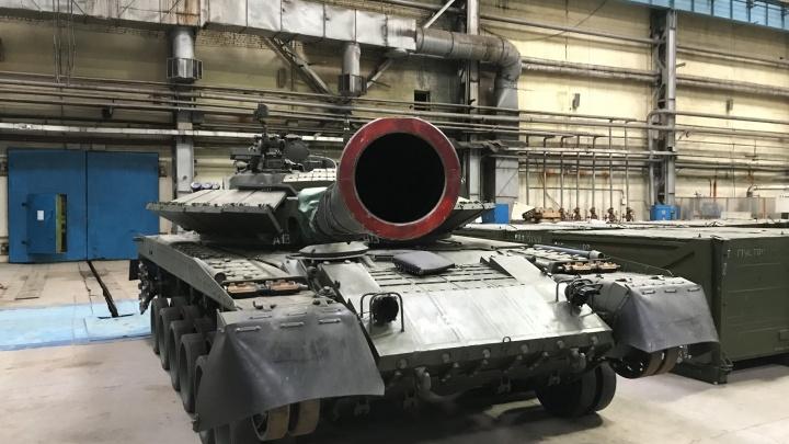 «Омсктрансмаш» отправил 10 новых танков в северные армейские части России