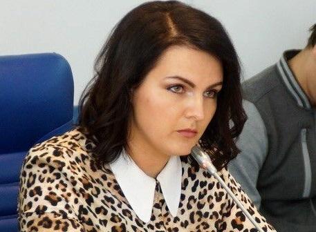«Они недорогие»: депутат Госдумы от Волгоградской области Анна Кувычко носит часы за 2,7 млн рублей