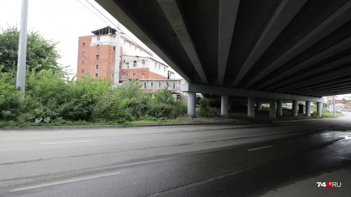На пути к конгресс-холлу: улицы в центре Челябинска свяжет дорога, на которой стоит грузинский центр