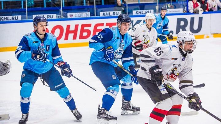Хоккей: «Сибирские снайперы» обыграли «Белых медведей»