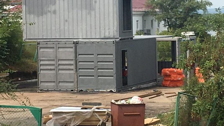 Власти признали стройку на Маяковском спуске незаконной