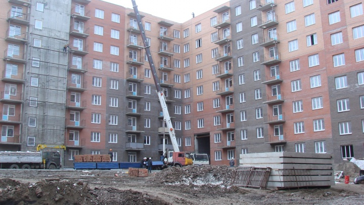«Для двух домов школы не строят». Экономжилье в «Солонцах» сдадут без всякой инфраструктуры