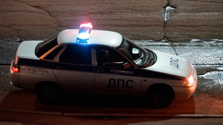Ночью омичка на авто попыталась оторваться от сотрудников ДПС