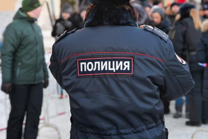 Полицейских задержалисотрудники ФСБ и управления собственной безопасности областного МВД