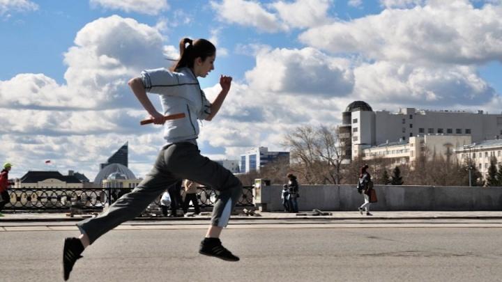 Бегом по центру: проспект Ленина 29 апреля перекроют из-за эстафеты