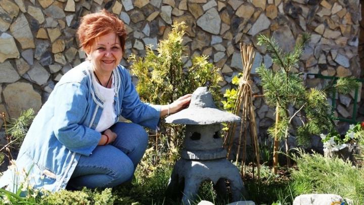 «Каменные джунгли» своими руками: уфимка превратила городской двор в клумбу
