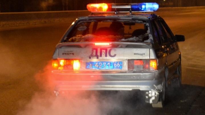 В новогоднюю ночь на свердловской трассе насмерть сбили пешехода