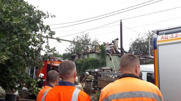 В Самаре 70 пожарных тушили два жилых дома на улице Челябинской