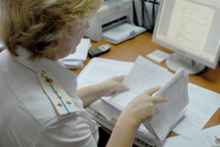 Добровольную проверку прошли около 200 пассажиров Толмачёво