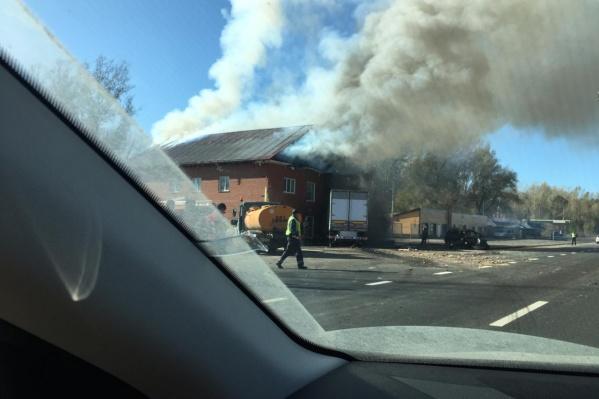 После столкновения начался пожар